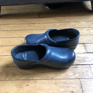 Navy Blue pebbled leather dansko clogs